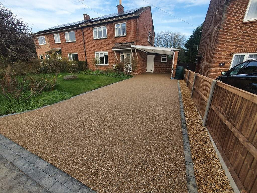 Golden Pea Resin Driveway in Stamford Lincs