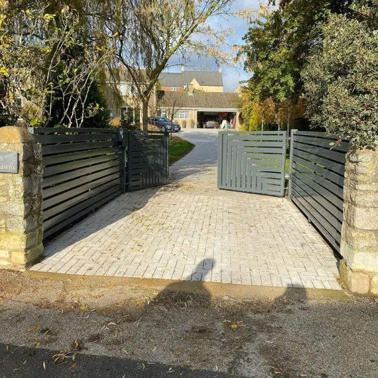 Kingscliffe-electric-gates