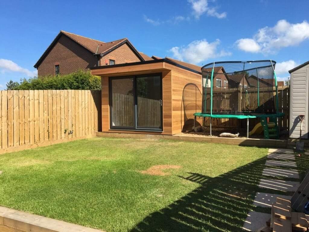 Small-garden-room-peterborough-2
