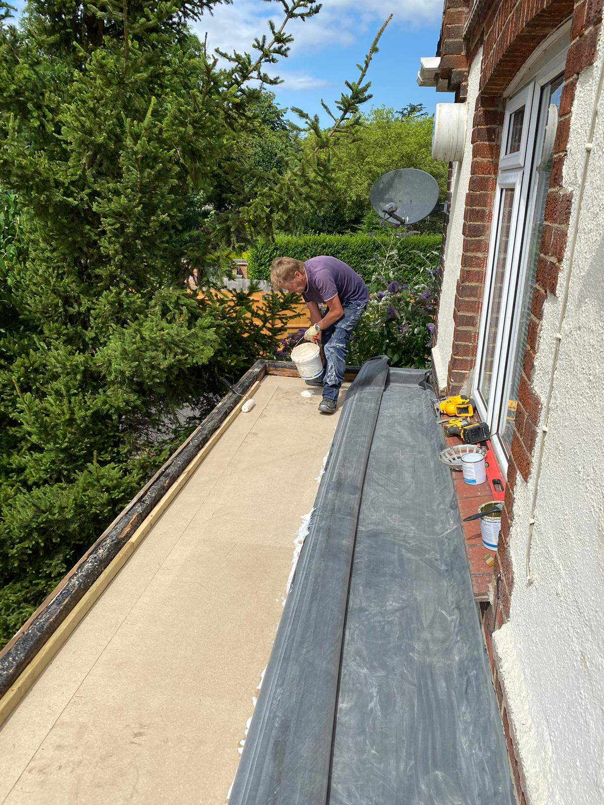 New EPDM rubber roof being installed in Peterborough
